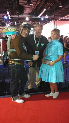 """Frank Walker & Athena from """"Tomorrowland"""" with legendary Disney Imagineer, Tony Baxter seen at Another look at Athena Cosplay costume. Disney Cosplay Costumes, Disney Halloween Costumes, Athena Costume, Disney 2015, Disneybound, Tween, Costume Ideas, Children, Movies"""