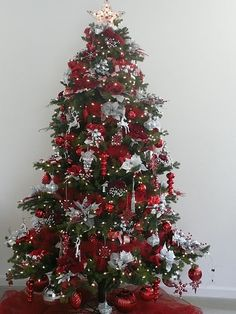 Christmas Tree Decorating Ideas | Christmas tree, Decorated christmas trees  and Partridge