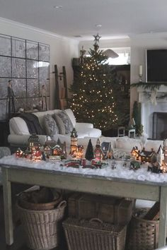 come visit my holiday home tour for 2014! http://daniellemuller.typepad.com/daniellemuller/2014/12/-holiday-home-tour-2014-.html
