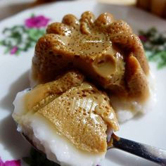 Image may contain: food Indonesian Desserts, Asian Desserts, Indonesian Food, Cookie Recipes, Snack Recipes, Dessert Recipes, Snacks, Unique Recipes, Asian Recipes