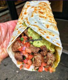 Would this be breakfast, lunch or dinner? Use low carb tortillas or low carb wraps to make this yumminess. I Love Food, Good Food, Yummy Food, Tasty, Yummy Yummy, Delish, Cooking Recipes, Healthy Recipes, Cooking Tips