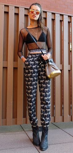 Zebras and stars Estilo Blogger, Street Style 2017, Street Style Summer, Girl Fashion, Fashion Looks, Fashion Outfits, Looks Style, Style Me, Night Outfits
