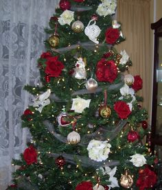 rose in christmas tree beauty and the beast theme christmas tree themes holiday tree - Disney Beauty And The Beast Christmas Decorations