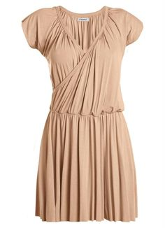 Vestido Rosê com Decote Transpassado Vestido em viscose com elastano.