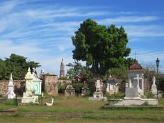 Tombs from the late 18th and 19th centuries can be found in the old Panteón Español in El Rosario, Sinaloa, Mexico.