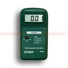 """http://termometer.dk/specialmaler-r13485/maler-for-emf-og-elf-r13493/meter-for-elektromagnetiske-felter-i-mikrotesla-or-milligauss-53-480823-r13494  Meter for elektromagnetiske felter, i mikrotesla Or milligauss  Mål elektromagnetisk felt strålingsniveauer fra fans, elektriske apparater, ledninger og elledninger  Large 1/2 """"LCD (1999 count) Visning af elektromagnetiske felter (EMF)-niveau i milligauss eller mikro Tesla  Nøjagtige målinger til 4% mere end et måleområde..."""