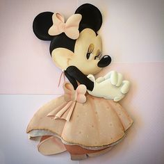 Princess Minnie Mouse. Disney Paper Sculpture by Karin Arruda. Disney fine art - Disney fan art