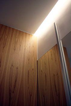 Mirando al Norte | RÄL167 - Interiorismo, decoración, reforma y diseño de interiores Wall Lights, Lighting, Home Decor, Righteousness, Norte, Interior Design, Flats, Appliques, Lights