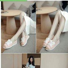 @116k  barang 95% seperti gambar  sepatu flet lucu model hewan :)  bisa COD khusus daerah cikarang :)  minat hub,085771367024