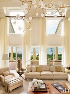 A beachside living room by Thierry Despont Ltd. in East Hampton, New York