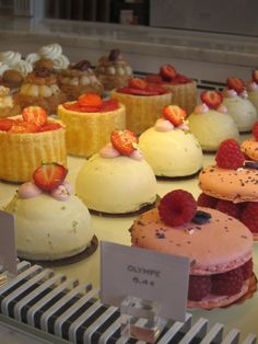 Angelina's | Paris - check out those huge macaroons!!