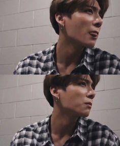 """jungkook in plaid shirts ~ a thread 🖤"" Jungkook Oppa, Foto Jungkook, Bts Bangtan Boy, Jung Kook, Foto Bts, Jikook, Taehyung, Jeongguk Jeon, Bts Lockscreen"