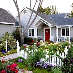 : If you need a front yard landscaping idea find out some tips and trick here. Browse via nice collection of small front yard landscaping ideas pictures and find the perfect for you.