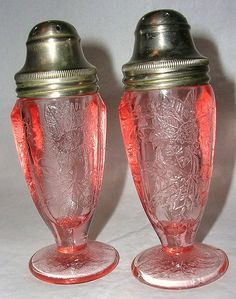 Vintage Jeannette Glass Depression Pink Floral Poinsettia Salt/Pepper