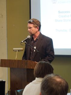 Evolving Practice Forum member Michael Roehr, AIA, introduced the three panelists at the start of the presentation.
