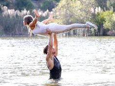 VIDEO: Bindi Irwin\'s Dirty Dancing Routine Gets Standing Ovation on DWTS
