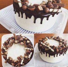 Birthday cupcakes chocolate desserts 49 Ideas for 2019 Decorated cakes Chocolate Drip Cake, Chocolate Cupcakes, Chocolate Desserts, Food Cakes, Cupcake Cakes, Decoration Patisserie, Kolaci I Torte, Birthday Cake Decorating, Drip Cakes