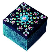 Resultado de imagen para buhos en puntillismo arte country Dot Art Painting, Painting On Wood, Painted Wooden Boxes, Diy And Crafts, Arts And Crafts, Decoupage Box, Creation Deco, Mandala Dots, Pretty Box