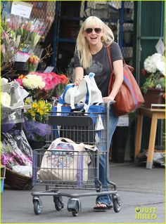 Grocery #shopping moments of #celebrities