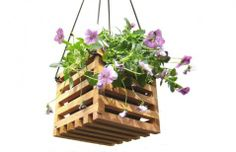 Recycled Wood Hanging Basket Garden Decor by andrewsreclaimed Hanging Basket Garden, Hanging Planter Boxes, Hanging Flower Baskets, Basket Planters, Outdoor Planters, Outdoor Decor, Wooden Planters, Wooden Garden, Recycled Decor