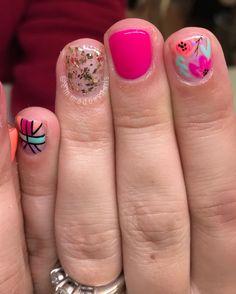 La imagen puede contener: una o varias personas y primer plano Toe Nails, Gelish Nails, Nail Manicure, Spring Nails, Summer Nails, Flower Nails, Fancy Nails, Pretty Nails, Western Nails