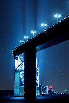 Shine On You Crazy Diamond | 乗り物・交通 > 橋・トンネルの写真 | GANREF