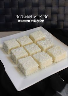 Coconut jelly or coconut milk ice is one of the easiest jelly recipes which can be easily prepared at home Eid Dessert Recipes, Sweets Recipes, Snack Recipes, Eid Sweet Recipes, Easy Eid Recipes, Flour Recipes, Pudding Recipes, Fruit Recipes, Sweets
