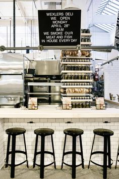 Cute deli/ resturant design with a subway tile bar + industrial seating Modern Restaurant, Restaurant Interior Design, Cafe Interior, Cafe Restaurant, Restaurant Concept, Interior Paint, Café Bar, Design Japonais, Bagel Shop