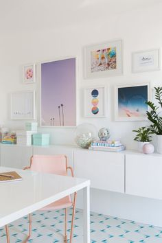 's Office Makeover Is A Candy-Colored Dream Space Oh Joy!'s Office Makeover Is A Candy-Colored Dream Space Home Office Design, Home Office Decor, Home Decor, Office Designs, Office Ideas, Business Office Decor, Design Offices, Office Inspo, Room Decor For Teen Girls