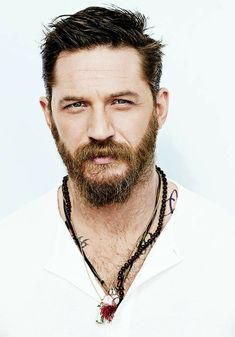 Tom Hardy's beard may be one of the coolest beards in Hollywood. Known for his rugged beard, Tom Hardy's facial hair styles are worth noting and replicating. In fact, Hardy…View Tom Hardy Bart, Tom Hardy Haircut, Gorgeous Men, Beautiful People, Greg Williams, Good Looking Actors, Toms, Details Magazine, Charles Bronson