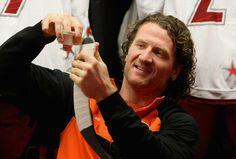 Scott Hartnell - Philadelphia Flyers, I miss his hair Flyers Hockey, Hockey Players, Scott Hartnell, Fly Guy, Hockey Stuff, All Team, Just A Game, Philadelphia Flyers, I Miss Him
