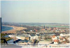 1990. Den hvide bygning i midten er den gamle Masnedsund station. Vordingborg Lokalhistoriske Arkiv. http://historiskatlas.dk/Masnedsund_Station_(5438)