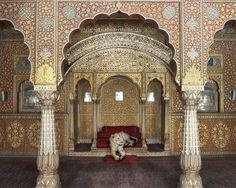India Song, Waiting for Atman, Junagarh Fort, Bikaner. Photograph by Karen Knorr