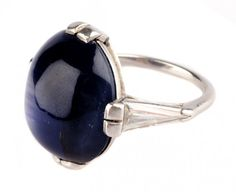 A Spectacular Star Sapphire Ring in Platinum : Lot 127