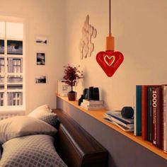 Edison Soft žiarovka RED HEART, E27, 150lm, 5W, Teplá biela, stmievateľná (2) Corner Desk, Pastel, Led, Retro, Furniture, Home Decor, Italia, Corner Table, Cake