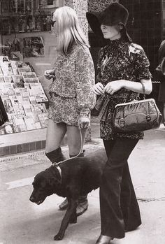 Window shopping in the King's Road, Chelsea, (1967). Image scanned by Sweet Jane from Decades of Fashion by Harriet Worsley, photograph by Stringer.