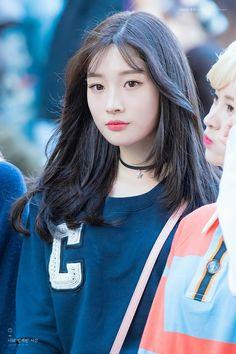 Jung Chae Yeon | Чон Чеён | DIA Kpop Girl Groups, Korean Girl Groups, Kpop Girls, Girl Day, My Girl, Korean Beauty, Asian Beauty, Short Hair Outfits, Jung Chaeyeon