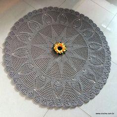 Tapete redondo com flor GIRASSOL (grafite)