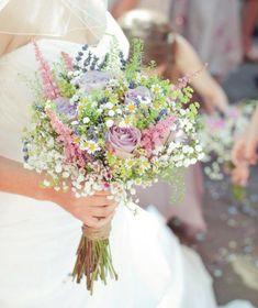 wunderschöner Brautstrauß, weiss, Feld- und Wiesenstrauss, Hochzeit, Blumenstrauß