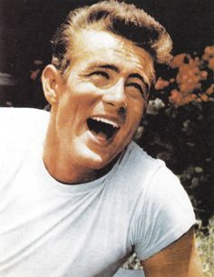 James Dean having a laugh. Indiana, Victor Hugo, Classic Hollywood, Old Hollywood, Bruce Lee, James Dean Photos, Jimmy Dean, East Of Eden, Idol