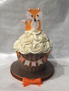 Woodland fox smash cake