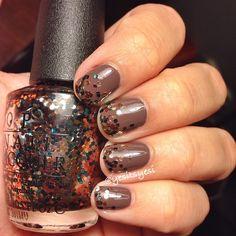 Fall glitter gradient nails.