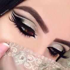 30 Best Summer Makeup Trends for 2019 Beautiful Eye Makeup, Simple Eye Makeup, Eye Makeup Tips, Lip Makeup, Makeup Ideas, Bridal Eye Makeup, Party Makeup, Wedding Makeup, Arabian Makeup