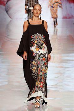 Sfilata Etro Milano - Collezioni Primavera Estate 2013 - Vogue