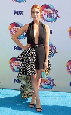 Brittany Snow from Teen Choice Awards Red Carpet Fashion In Fausto Puglisi with August & June jewelry, AUrate ring and Hearts On Fire earrings David Dobrik, Brittany Snow, Teen Choice Awards, Lucy Hale, Jonas Brothers, Taylor Swift, Casual Office Attire, Candace Cameron Bure, Actresses