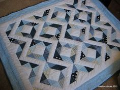 Like the use of triangles instead of blocks for this pattern
