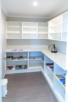 Pantries are useful, but can quickly become messy and unorganized. Explore simple kitchen pantry shelving ideas to spice up your kitchen storage and get things in order. pantry 17 Awesome Pantry Shelving Ideas to Make Your Pantry More Organized Pantry Room, Corner Pantry, Pantry Closet, Small Pantry, Open Pantry, Walk In Pantry, Large Pantry Ideas, Utility Closet, Pantry Shelving