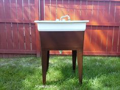 Spray Painted Laundry Tub how-to-spray-paint-laundry-tub<br> Quick and easy tutorial on a DIY spray painted laundry tub Laundry Craft Rooms, Laundry Room Sink, Laundry Tubs, Basement Laundry, Laundry Room Organization, Laundry Area, Basement Walls, Basement Bathroom, Washroom