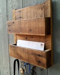 Amazing Uses for Old Pallets (19 Pics) Mail & Key holders