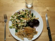Baked sole, beets and salad with sesame ginger dressing.  This is a quick and easy meal that fits into my hectic schedule. I am not afraid to use packaged foods that support my health and wellness goals. Bake time for the fish lets me get meals for my kids on the table.  6oz sole, precooked weight (I use frozen, about 3 filets) 4oz cooked beets (I like Fruitdome) 2C chopped salad (This meal used a packaged salad).    366 cal 21g Carbs 13g Fats 37g Protein   With 5g Dietary fibre and only…